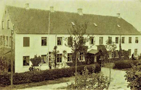 Gedved-Seminarium-og-hoejskole-lokalarkiv